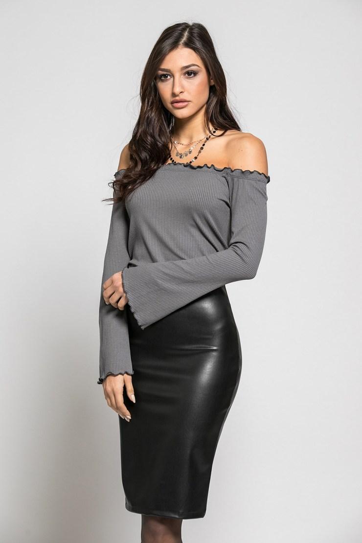 Μπλούζα με ριχτούς ώμους σε διάφορα χρώματα