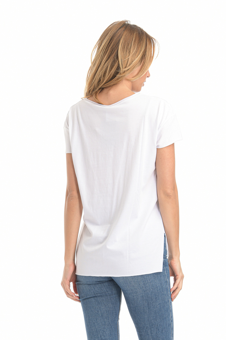 Μπλούζα κοντομάνικη με τσεπάκι και άνετη εφαρμογή λευκή